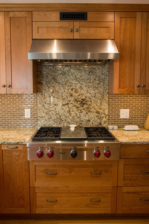 vermont-custom-cabinetry-frameless-cherry-natural-wolf-rangetop-hood