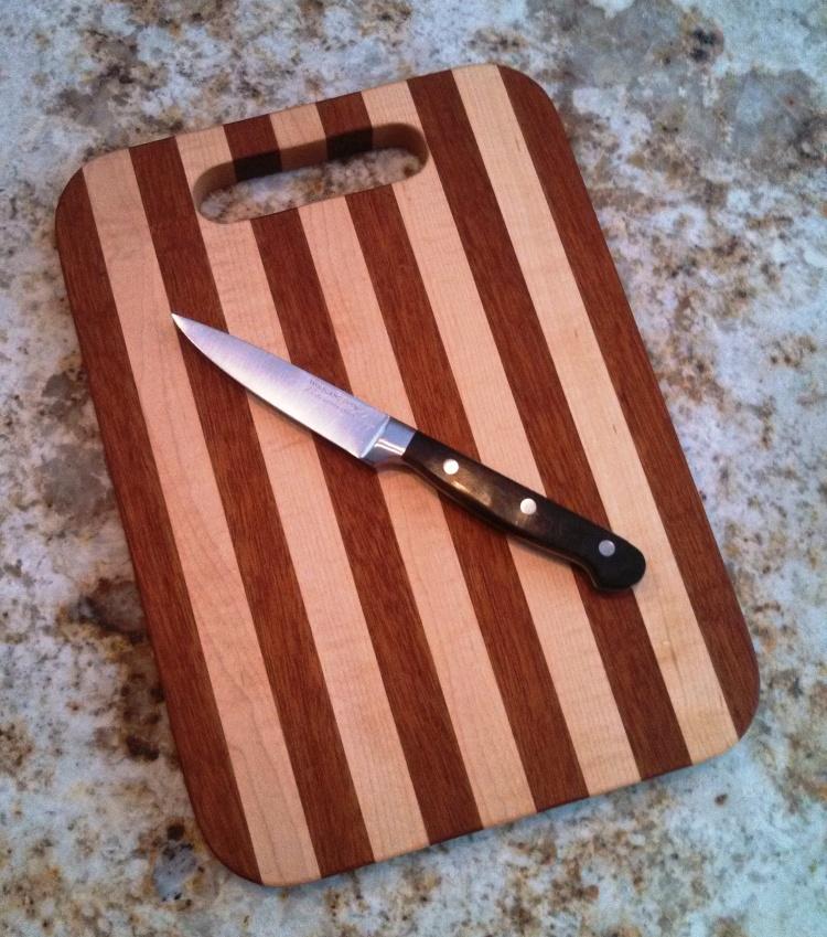 cutting-board-maple-mahogany-sandy