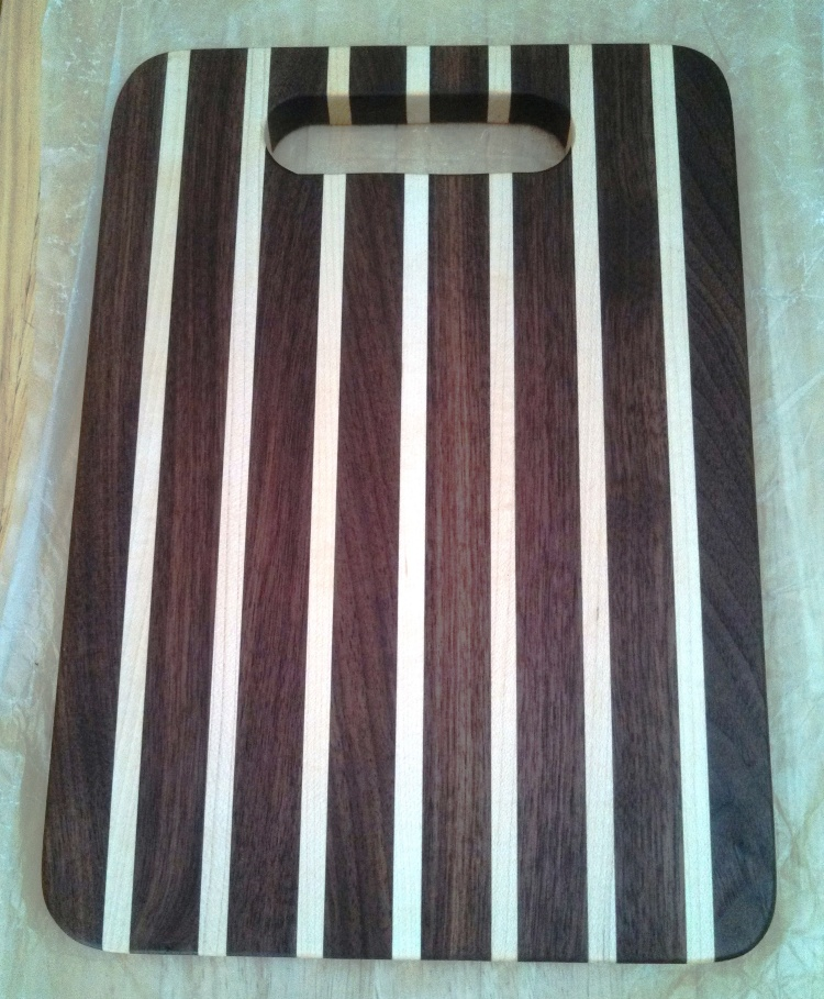 maple-walnut-cutting-board-sandy