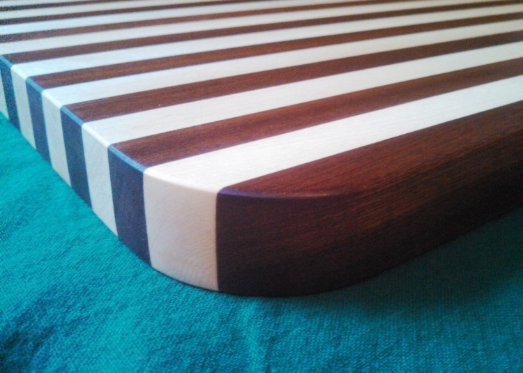 Mahogany or Sapele with Maple?