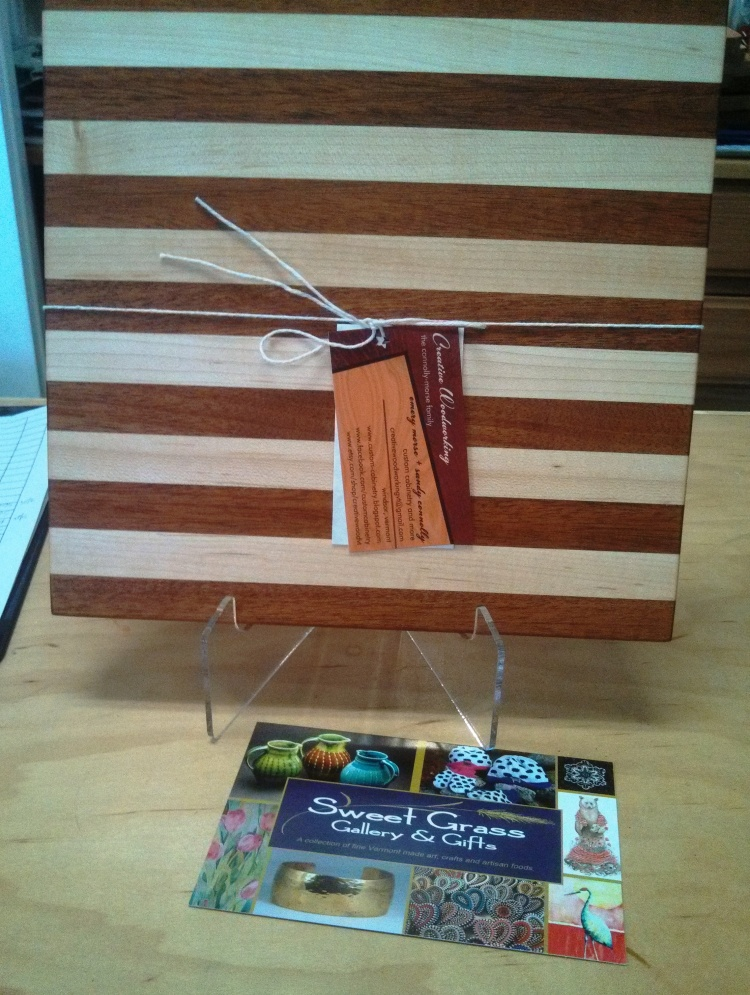 sweet-grass-gallery-small-wooden-cuttingboard