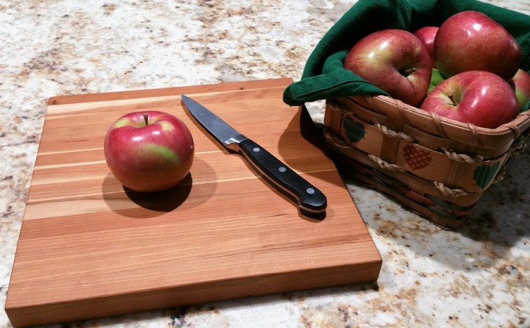 apples-rustic-cherry-cutting-board (2)