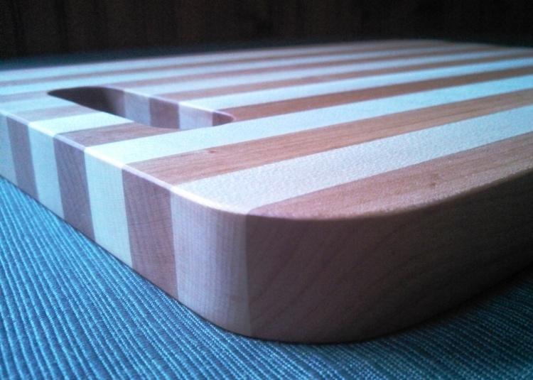 the-ryan-cutting-board-cherry-maple-6