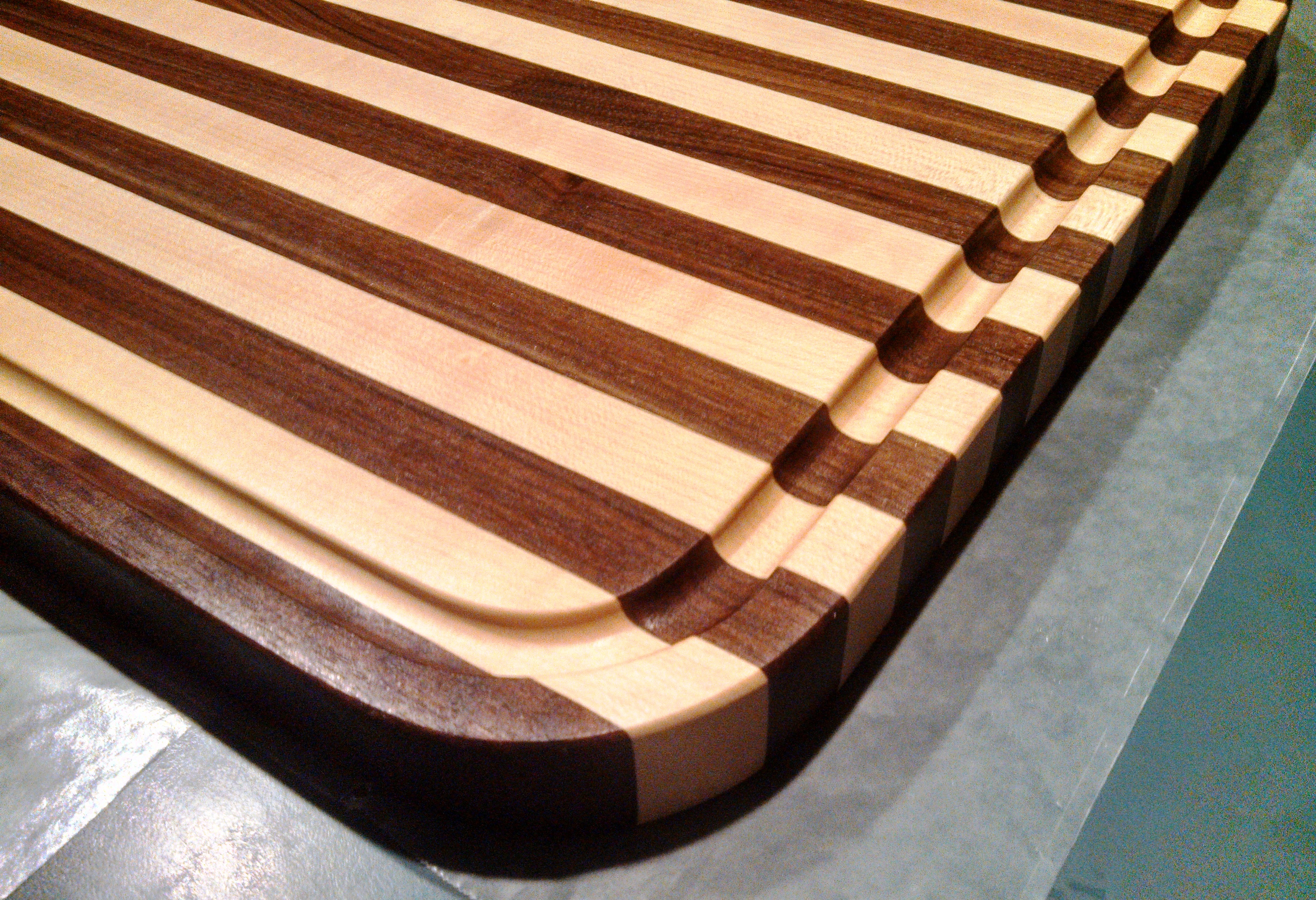 Top 5 cutting board designs of 2015 creative woodworking for Cutting board designs