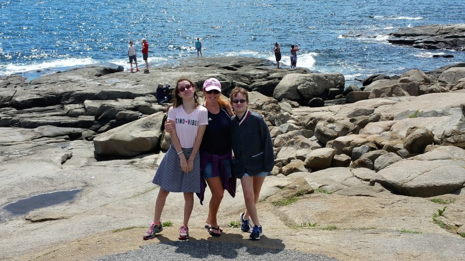 Delaney Sandy and Natalee at Nubble Light